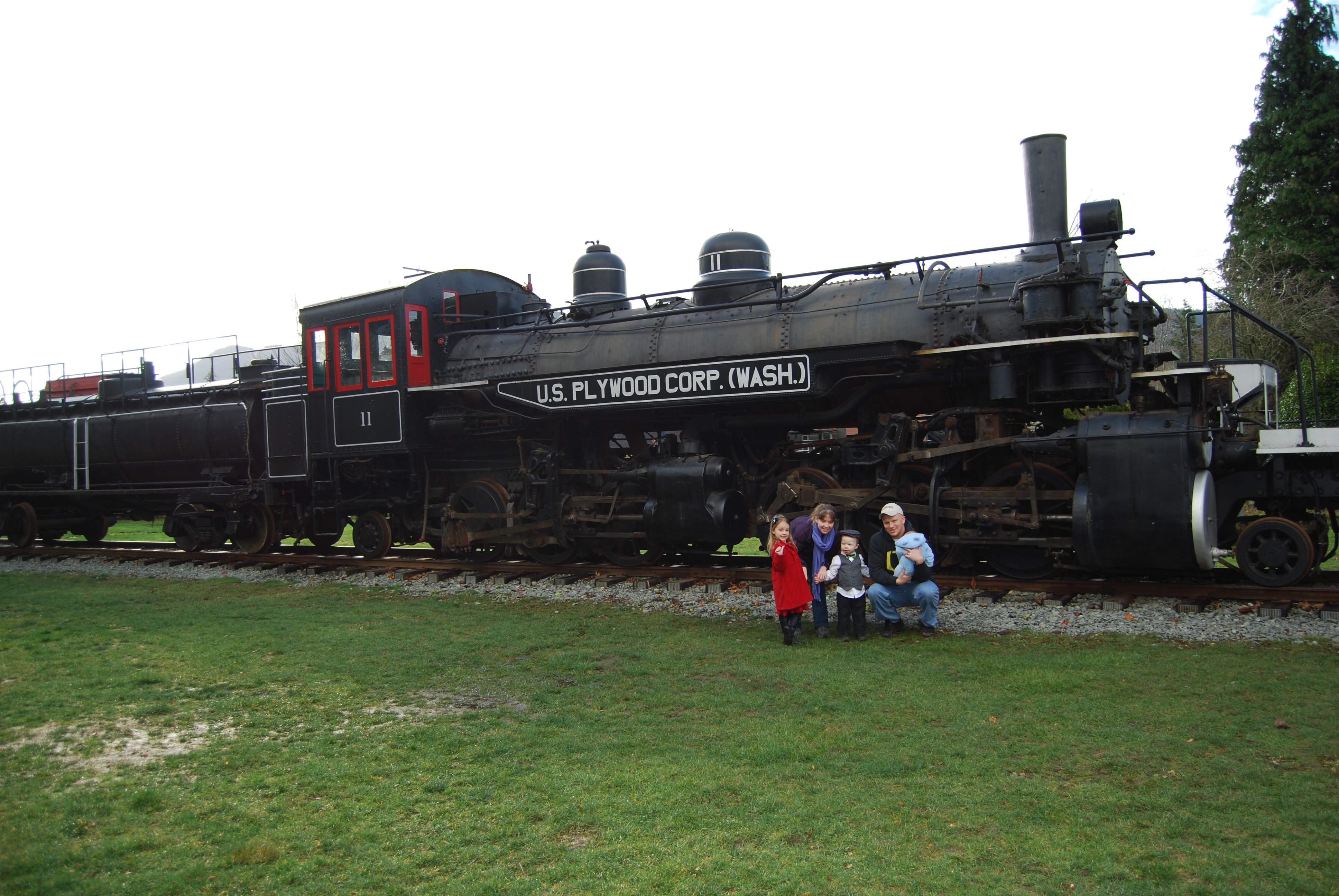 Visitors posing with Locomotive 11.